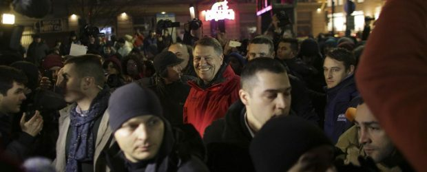 iohannis-protest-620x250